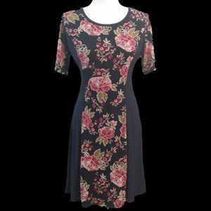 Tacera Shortsleeve Dress with Floral Panels, Size PM